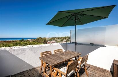 Apartamento duplex T2 de luxo próximo da praia com vista panorâmica sobre o mar