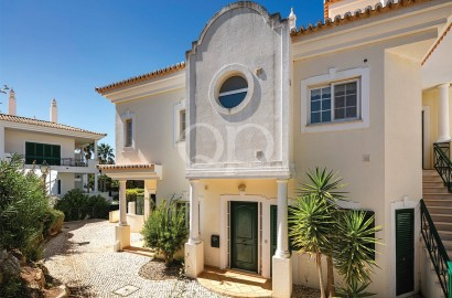 Spacious apartment with a garage in Vale do Lobo
