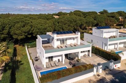 Brand new contemporary villa in a quiet area
