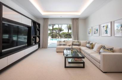Stunning contemporary style west-facing villa
