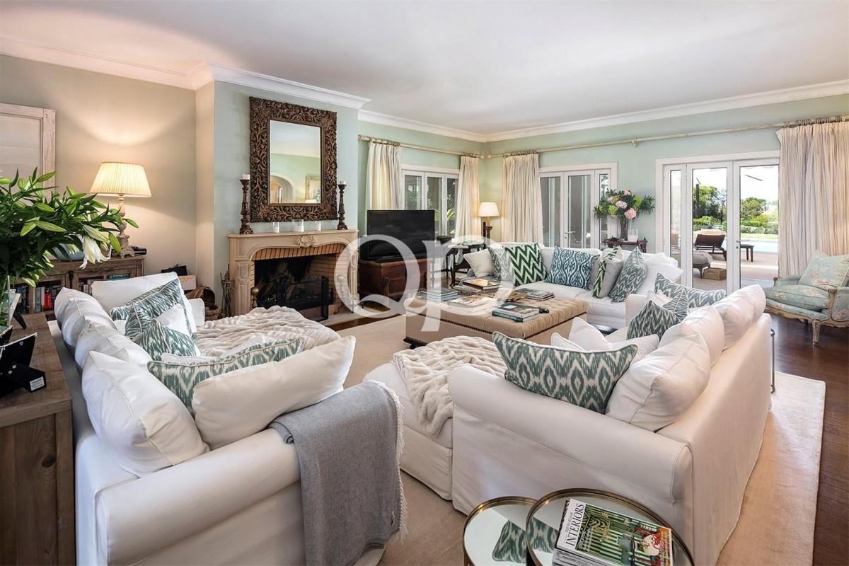 Luxury 5 bedroom family villa in Quinta do Lago
