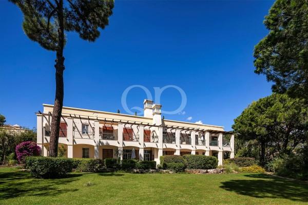 Espaçoso apartamento T2 em Pinheiros Altos