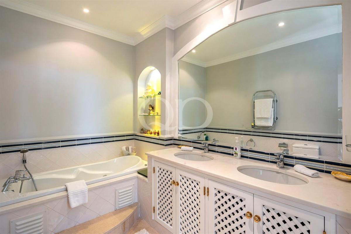 Spacious 2 Bedroom Apartment in Pinheiros Altos